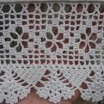 beyaz-dantelden-havlu-kenarlari