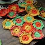tigdan-renkli-nminik-yuvarlak-motifler