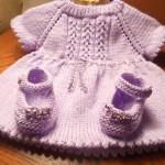 Lila-renkli-örgü-bebek-elbisesi