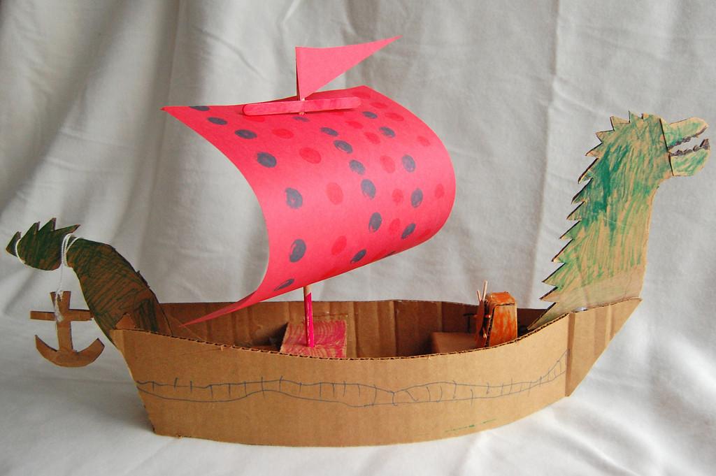 Поделки кораблей из картона