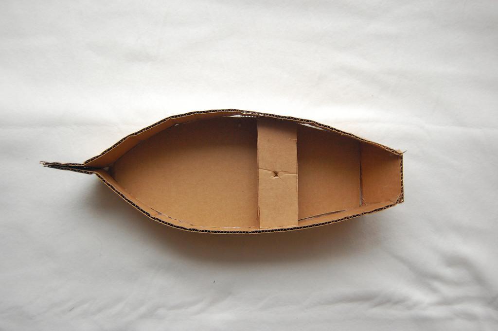 Картонная лодка своими руками