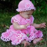 pembe-Firfirli-orgu-bebek-elbisesi