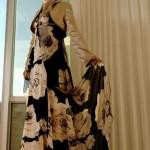 tesettür-abiye-kahverengi-krem-iri-desenli-elbise