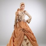 tesettür-abiye-pudra-rengi-kabarik-elbise