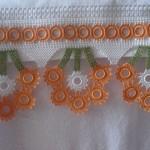 turuncu-beyaz-halkali-havlu-modelleri