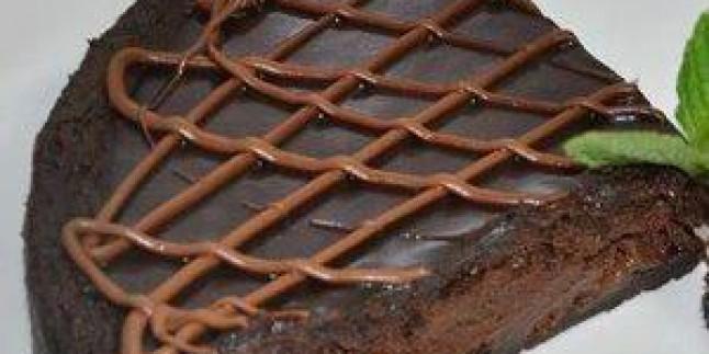 Bisküvi İle Yaş Pasta Yapılışı