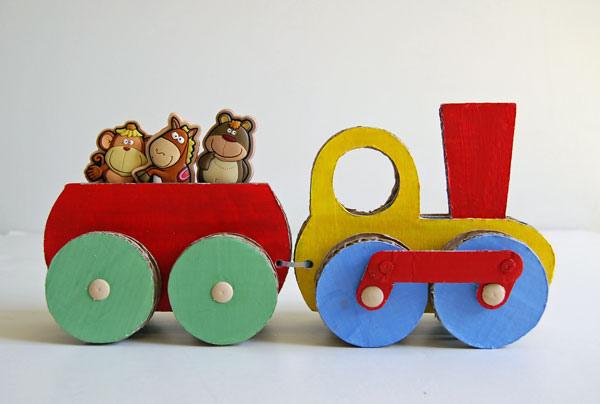 Oluklu mukavvadan oyuncak tren yapili i - Fatti di gargoyle per bambini ...