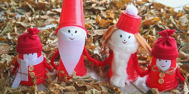 Plastik Bardak Ve Köpük Toplardan Noel Baba Ailesi Yapılışı