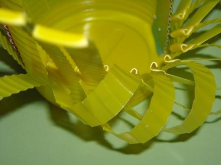 plastik-bardaktan-sekerlik-sepet-yapilisi-4
