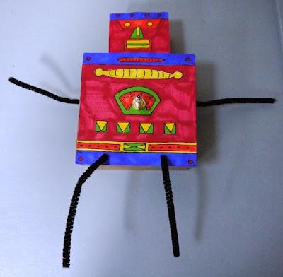 kartondan-robot-seklinde-calisan-saat-yapimi-6