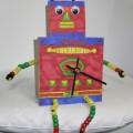 kartondan-robot-seklinde-calisan-saat-yapimi-7