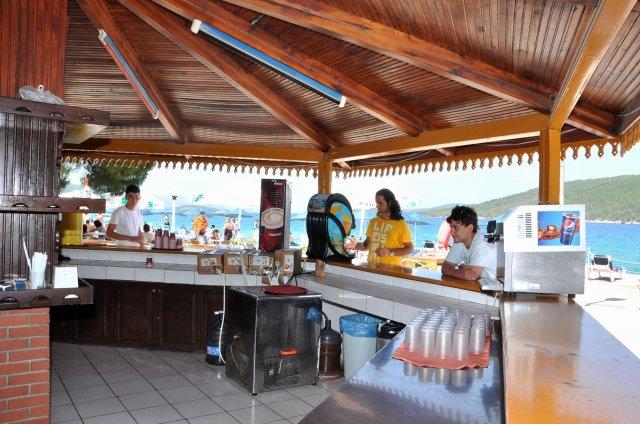 Aegean-Garden-beac-bar