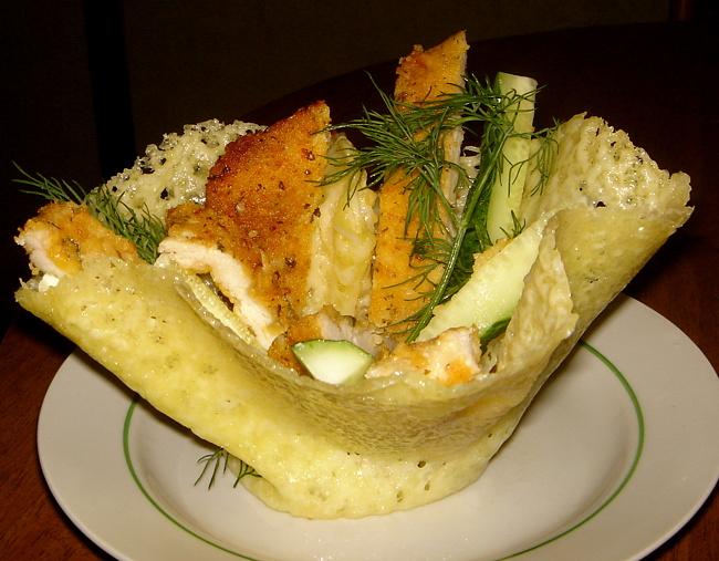 kasar-peynirinden-salata-kasesi-5