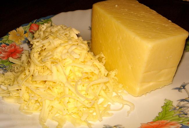kasar-peynirinden-salata-kasesi