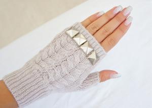 Bayan örgü eldivenler