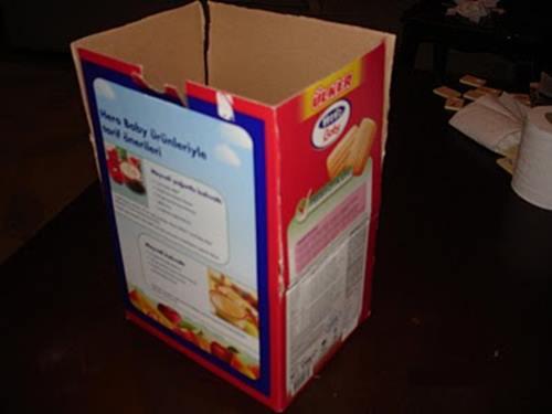 bebe-biskivu-kutusandan-kolay-karton-ev-yapimi