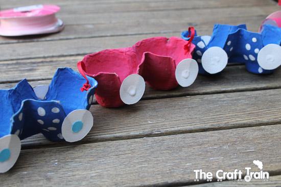 yumurta-kartonundan-vagonlu-tren-yapilisi-4