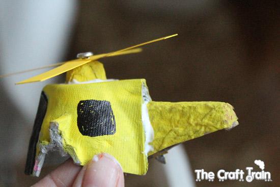 yumurta-kartonuyla-helikopter-yapimi-9