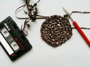 eski-muzik-kaset-filimlerinden-tig-isi-cuzdan-orme