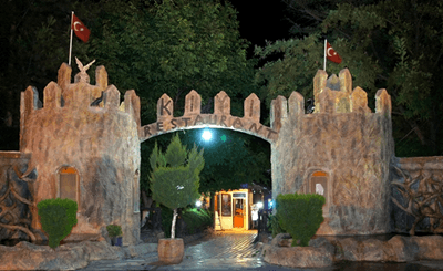 kiyi-restoran-giris-kapisi (2)