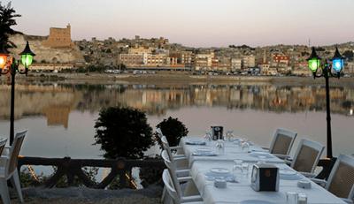urfa-birecik-kale-kiyi-restorandan-manzara (2)