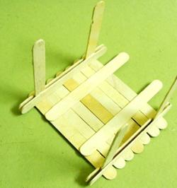 dondurma-hobi-cubuklarindan-masa-sandalye-yapimi-10