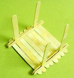 dondurma-hobi-cubuklarindan-masa-sandalye-yapimi-15