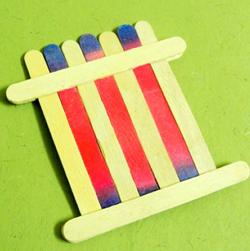 dondurma-hobi-cubuklarindan-masa-sandalye-yapimi-4