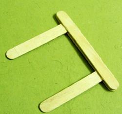 dondurma-hobi-cubuklarindan-masa-sandalye-yapimi-9