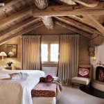 ahsap-tasarimli-somineli-romantik-yatak-odali-cati-kati-odasi-dekoru