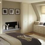 beyaz-dolapli-cekmeceli-cati-yatak-odasi-dekoru