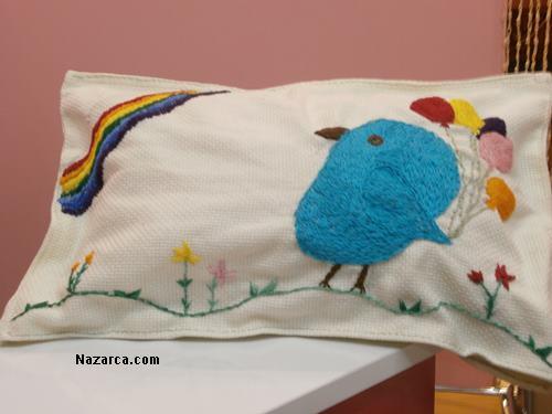 etamin-ustune-islemeli-dekoratif-bebek-odasi-sus-yastik