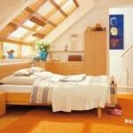 tavandan-pencereli-ahsap-cati-kati-yatak-odasi-dekoru
