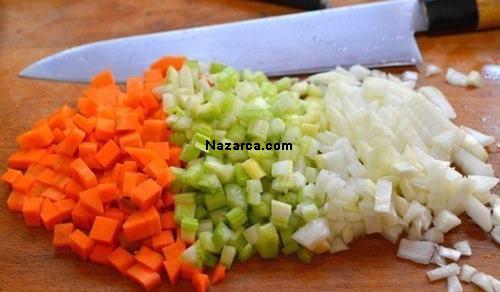 brokolili-vitaminli-tavuk-corbasi-tarifi-resimli-yapilisi-1