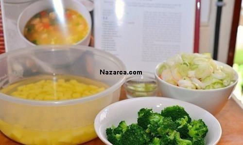 brokolili-vitaminli-tavuk-corbasi-tarifi-resimli-yapilisi-2