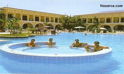 club-lapethos-hotel-genel-havuzu