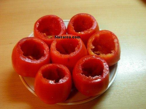 tavuklu-domates-dolmasi-tarifi-1