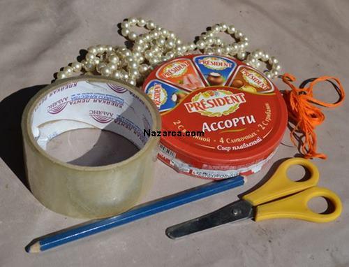 ucgen-peynir-kutusundan-odev-icin-marakas-yapilisi-1