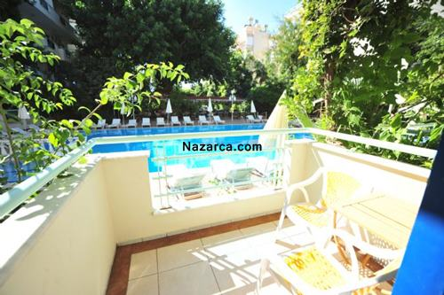 Alanya-merhaba-otel-oda-balkonu-havuz-manzarasi
