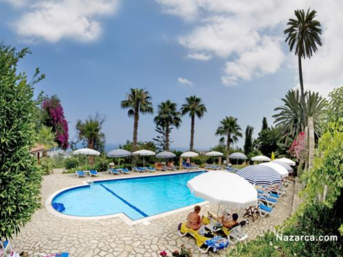 Bellapais Gardens Hotel-havuz