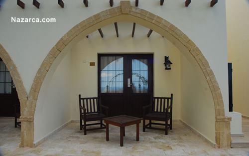Bellapais-Monastery-Village-Hotel-oda3