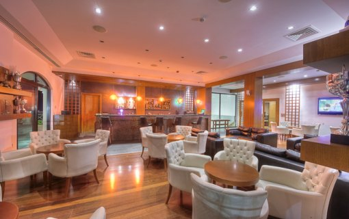 Korineum-Golf-Club-Otel-bar