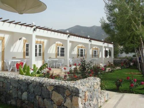 altinkaya-holiday-resort-otel-tek-evleri