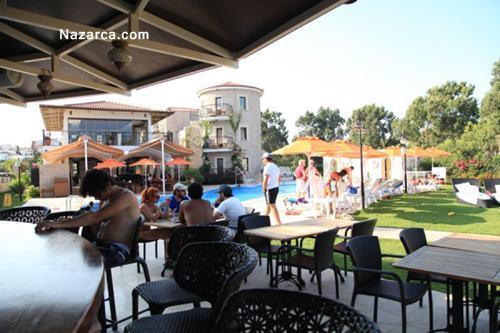 datca-orcey-otel-havuz-bar