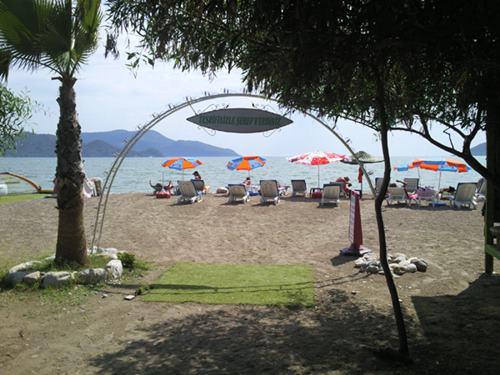 fethiye-silver-pine-muhafazakar-alkolsuz-otel-plaj