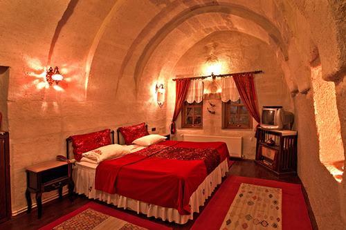 kapadokya-oyku-evi-kirmizi-oda-Yatak Odasi