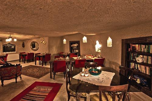 kapadokya-oykuevi-otel-restoran-kapali-restoran-2