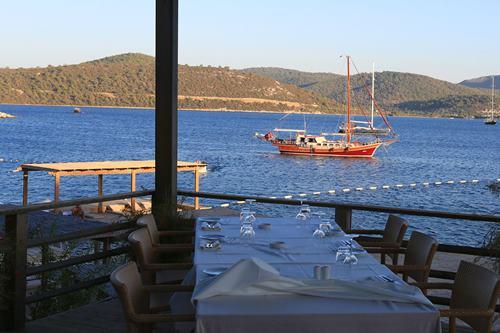 macakizi-hotel-turkbuku-bodrum-restoran-manzarasi