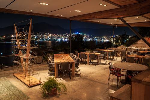 macakizi-hotel-turkbuku-bodrum-teras-cafe