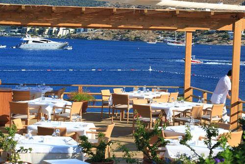 macakizi-hotel-turkbuku-bodrum-teras-restoran